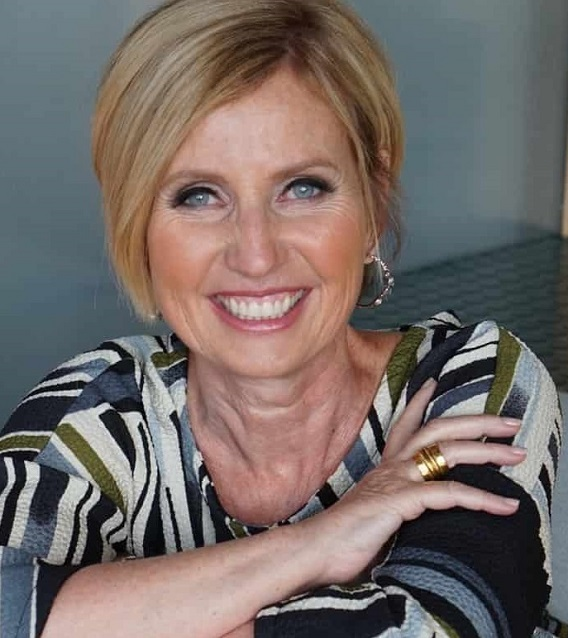 Dr. Janice Hughes Headshot